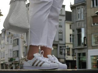 Coole Schuhe dank Footway und ein Plus Size Outfit
